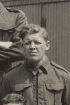 Pte Frankie Garlick, the first British Para recorded to have a 'Hang Up'.