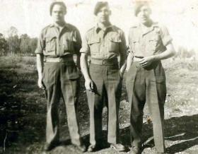Centre: Pte George Davies with two unknown members of 7th Para Bn, date unknown.