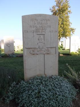 Headstone of Gnr Stanley Briggs, Bari War Cemetery, November 2011.