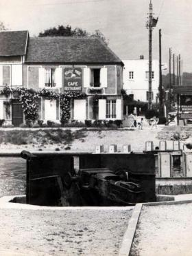 Gondre Café with gun emplacement in foreground, date unknown.