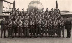 Group photo of Parachute Training Course, RAF Abingdon, c.1951