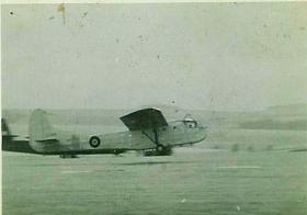 Hadrian glider landing at Netheravon, Exercise Longstop 1947