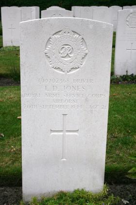Headstone of Driver Leslie Jones, Oosterbeek War Cemetery, Arnhem.