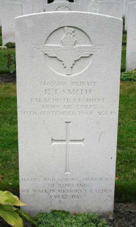 Headstone of Pte Rowland Smith, Oosterbeek War Cemetery, Arnhem, 2009.