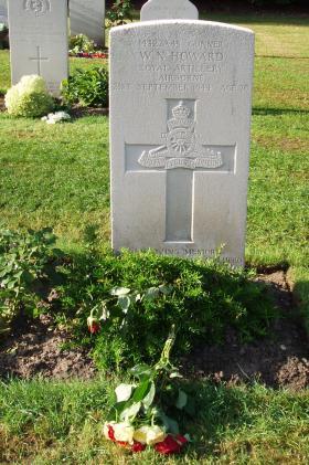 Headstone for Gnr WN Howard, Oosterbeek War Cemetery,2009.