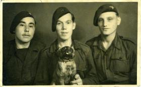 Members of 22 Ind Para Coy with a mascot