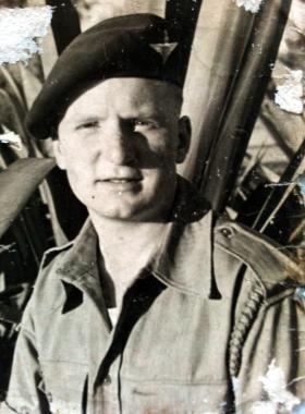 Private Maver, 1945.