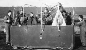 Members of 1 Para Provost Pln RMP (V) in the balloon cage, Hankley Common, undated.