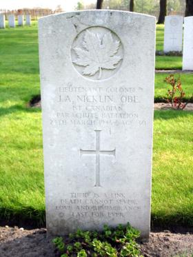 Headstone of Lt Col 'Jeff' Nicklin, Groesbeek Canadian War Cemetery.