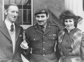 L/Cpl Bill Bentley MM with parents at Buckingham Palace, 1982
