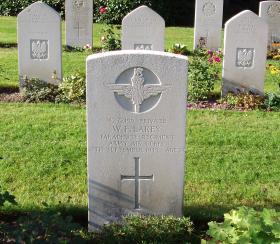 Headstone of Pte WF Lakey, Arnhem Oosterbeek War Cemetery, 2009.