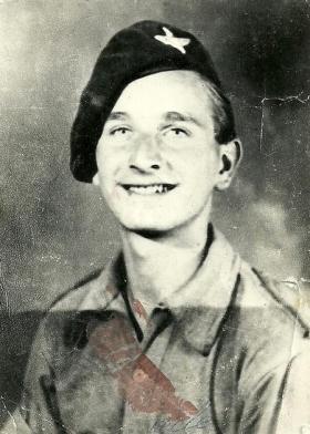 Private Leslie D Sadler, 9 Pln C Coy 2nd Para Bn, Altamura, Italy, September/October 1943.