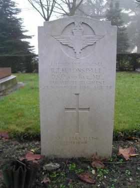 Headstone for Lt Col Dickie Lonsdale DSO & Bar MC, Aldershot Military Cemetery, undated.