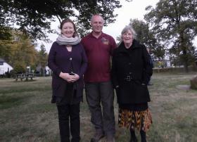 Bob Hilton with the daughter and grand-daughter of Lt Col K Smyth, Ginkelse Heide, 20 October 2012.