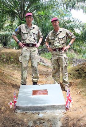 Major Gen Bashall CBE, WO2 DSM Phil Stout, Plaman Mapu, 2015.