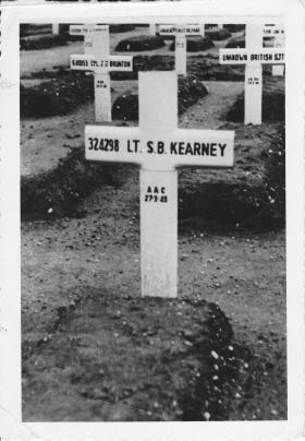 Lt Shane Kearney - Gravesite 1945
