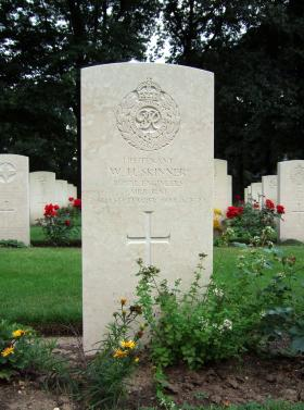 Gravestone of Lt W H Skinner, Oosterbeek, July 2014.