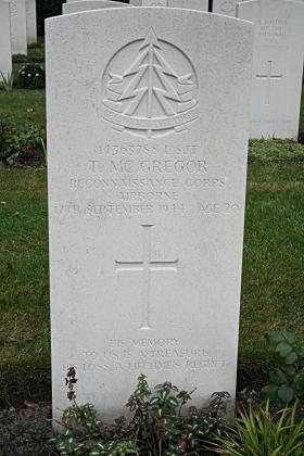 Headstone of Sgt Tom McGregor, 2009