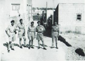Members of 9 Airborne Sqn RE in Tel Aviv, 1947