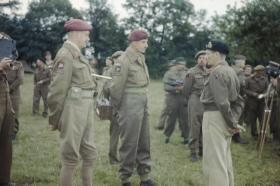 General Montgomery talks to Gen Gale and Brigadier Poett, 1944.