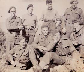 Members of 1st Para Battalion Mortar Platoon, Italy, 25 September 1943.