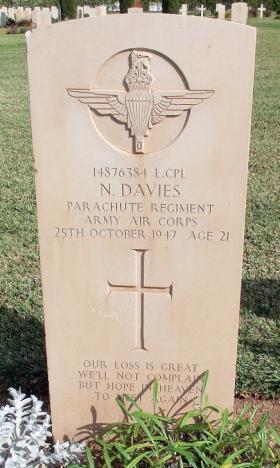 Grave of L/Cpl N Davies, Khayat Beach Cemetery, 1 January 2015.
