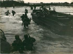 1st Airborne Division training in North Africa for seaborne landings, August 1943.