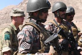 Paras test their desert skills in Jordan, April 2017.