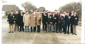 Group photograph of Ox and Bucks veterans at a reunion