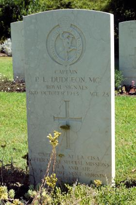 Headstone of Capt Dudgeon MC (2 SAS Regt), Florence War Cemetery, July 2012.