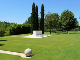 The Altar of Remembrance at CWGC Florence, July 2012.