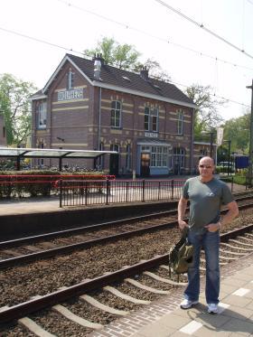 Paul Cavanagh, Wolfheze Railway Station, 2009