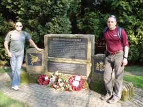 Paul Cavanagh and Harvey Grenville next to the Gelderland Memorial at the Hartenstein, 2009