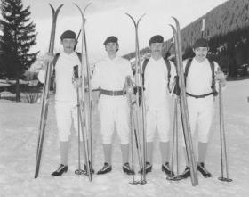 RAC Para Sqn Skiing Team 1975