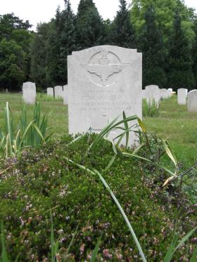 Headstone of Pte Robin Andrews, Aldershot Military Cemetery, June 2013.