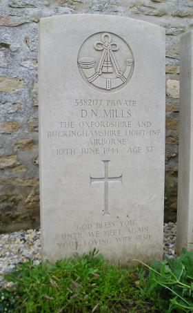 Headstone of Pte D Mills, Herouvillette Cemetery, October 2010.