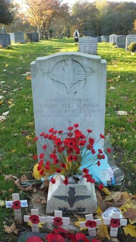 The headstone of Private David Parr.