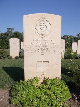 Headstone of Pte Harry Sweatman, Bari War Cemetery, November 2011.
