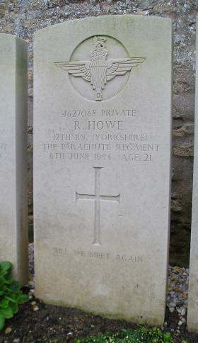 Headstone of Pte R Howe, Herouvillette Cemetery, October 2010.