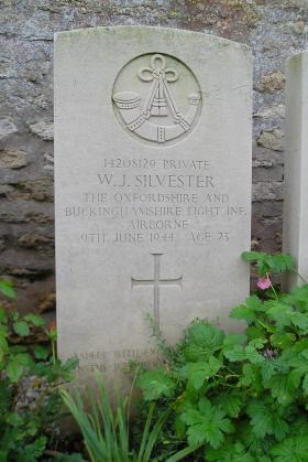 Headstone of Pte W Silvester, Herouvillette Cemetery, October 2010.