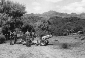 Temporary fire base of 97 Fld Bty, 33 Para Light Regt RA, Radfan, c1957.