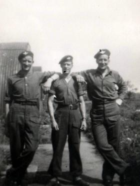 Ralph Baverstock with men of 2nd Para Bn, 1944.