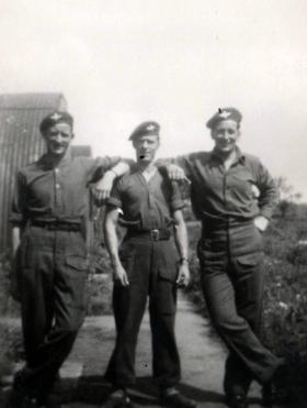 Ralph Baverstock with men of 2nd Para Bn, 1944.