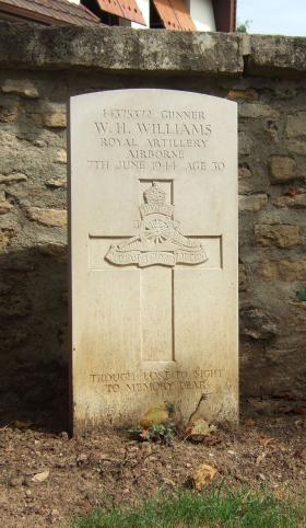 Headstone of Gunner William H Williams, Ranville Churchyard, August 2010.
