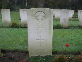Headstone of Pte Kenneth Roberts