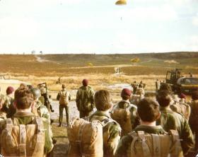 10 PARA Balloon Jumps Hankley Common Nov 1977