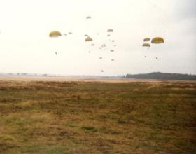 10 PARA drop onto Ginkelse Heide DZ Sept 1983