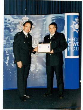 Stuart Mackie receiving commendation - Heddlu Gwent Police 2001