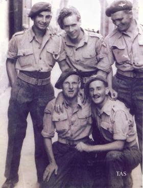 Sgt Ballinger with men of 2nd Para Bn, Italy, 1943.