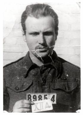 PoW photo of Sgt L Ansell, 2 Para Bn, 1944.
